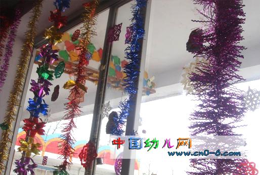 圣诞节幼儿园吊饰:彩带
