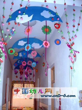 幼儿园元旦走廊吊饰:五彩缤纷的新年
